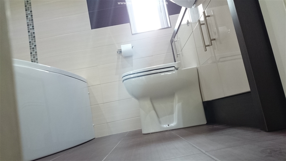 The Paddock II Bathroom