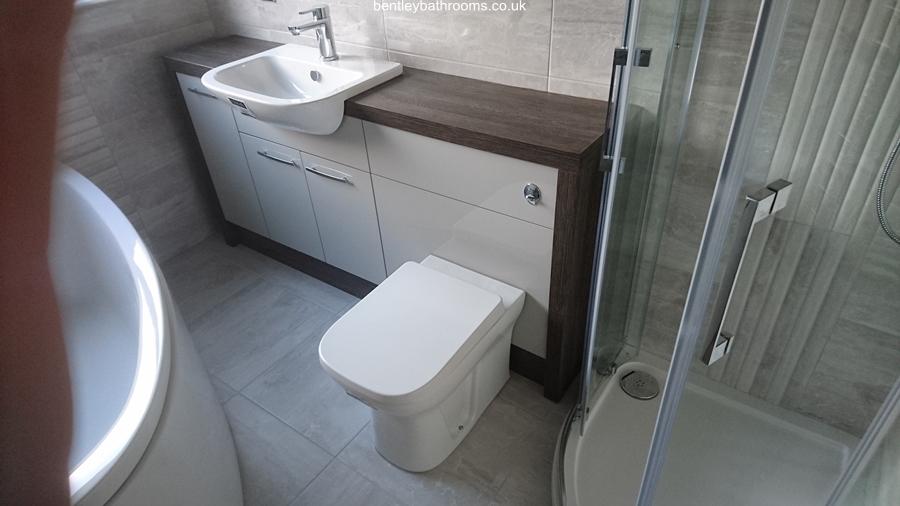 Lowick Bathroom/Shower-Room
